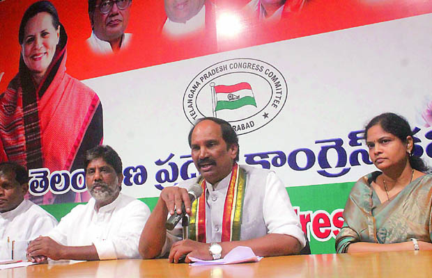 14-06-2015:  Hyderabad organised:  •Telangana congress president Uttam kumar reddy addressing Media persons   after GHMC congress active's meeting at gandhi Bhavan on Sunday..